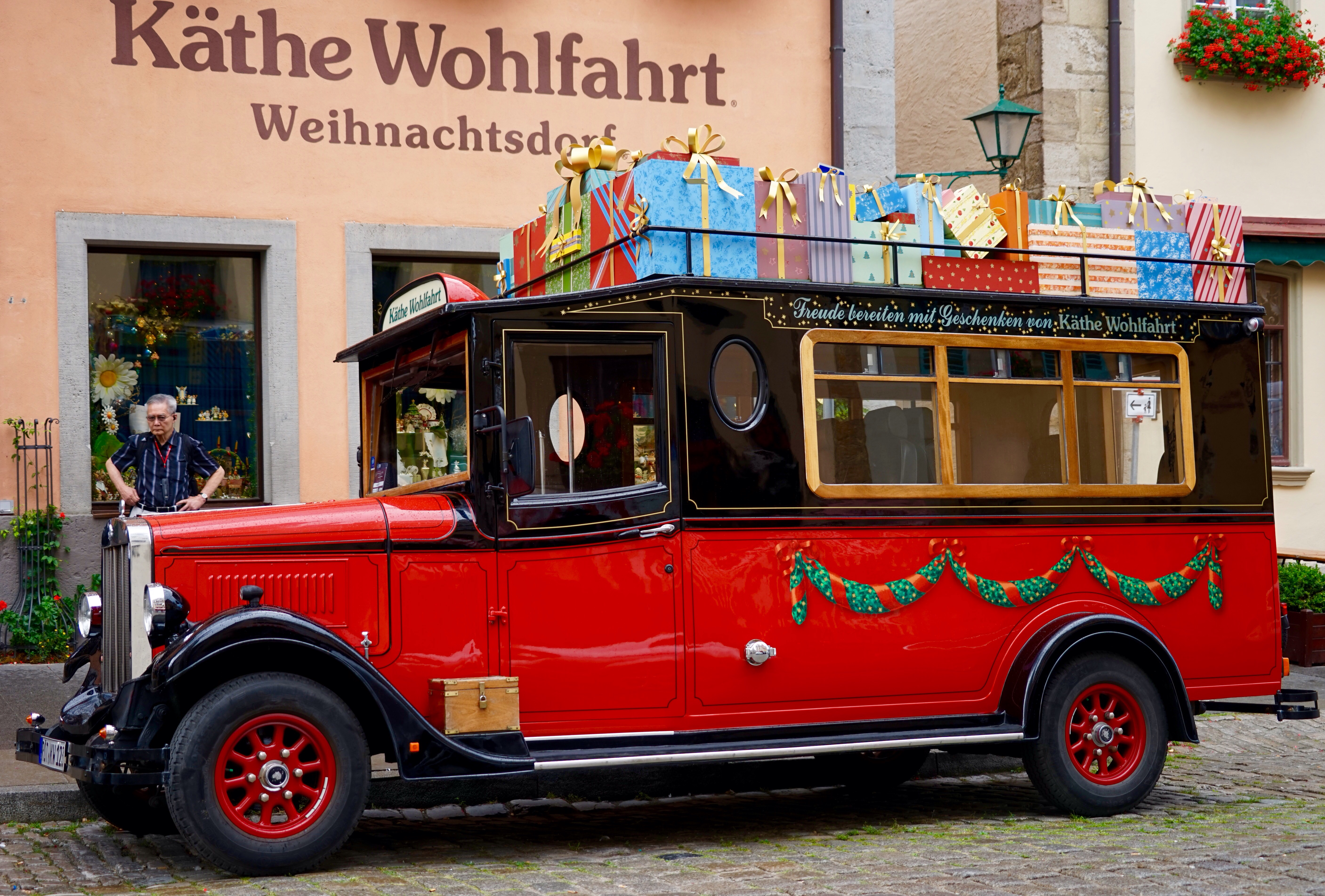 ee44e19b3c14a0 Weihnachten das ganze Jahr – das Käthe Wohlfahrt-Weihnachtsdorf in ...